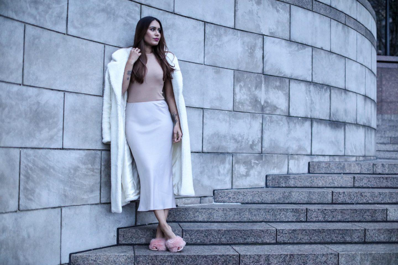 Reena Rai, Fashion Blogger, wearing Topshop and Na-kd Fashion
